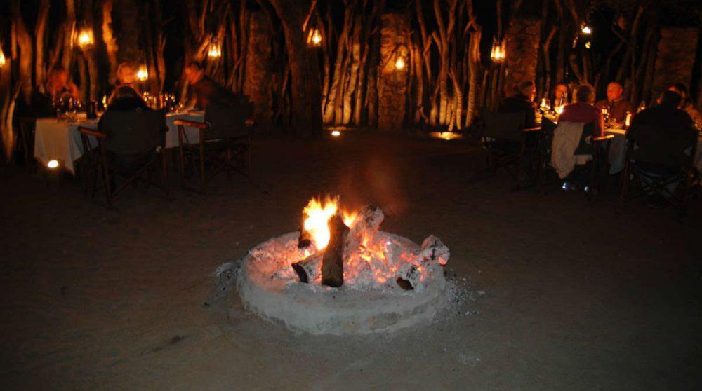 Une soirée avec un feu à Sabi Sand