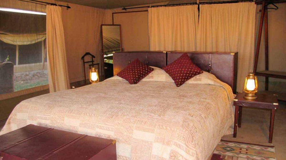 Une chambre dans une tente au Kenya