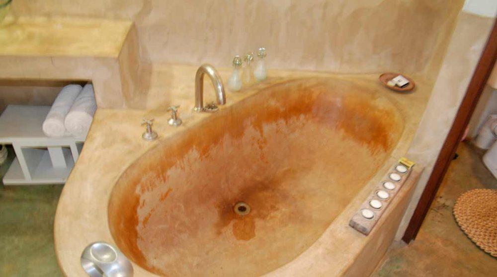 Baignoire d'une salle de bains