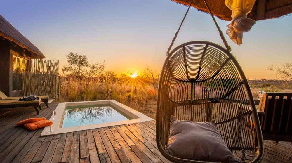 La petite piscine au lever du soleil