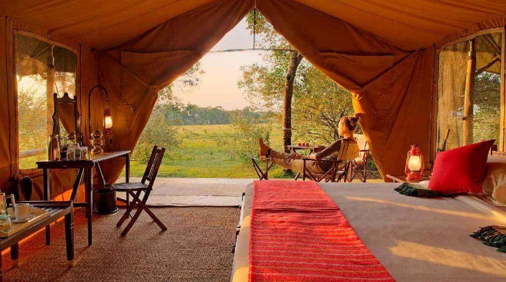 Vue depuis une tente dans le Masai Mara