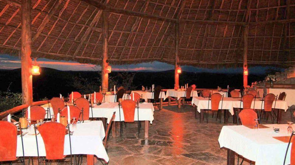 Le restaurant le soir à Amboseli