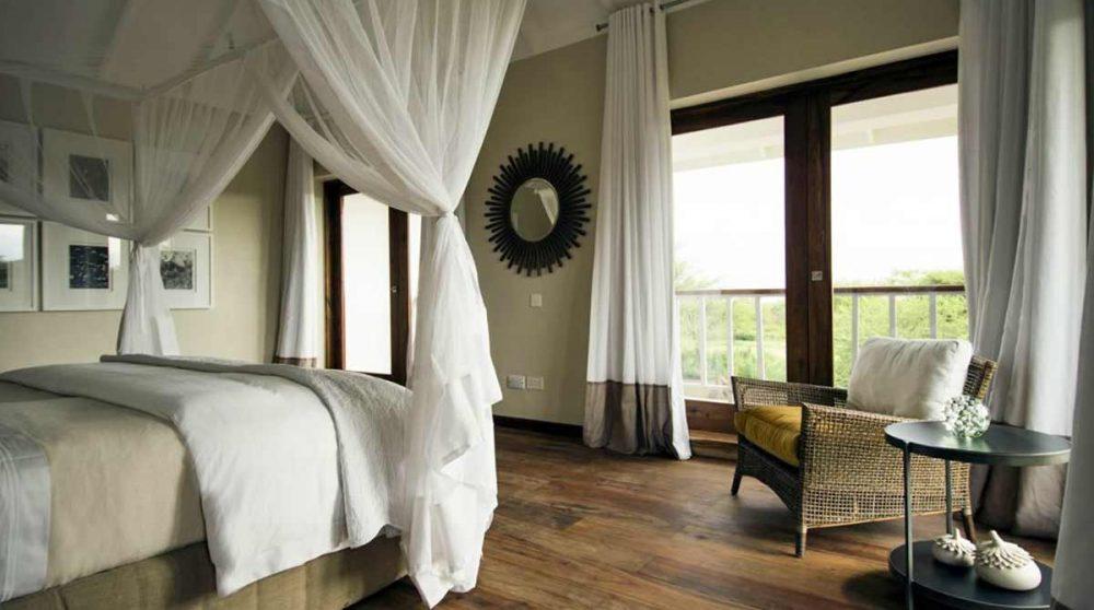 Une chambre avec terrasse au Siringit Villa