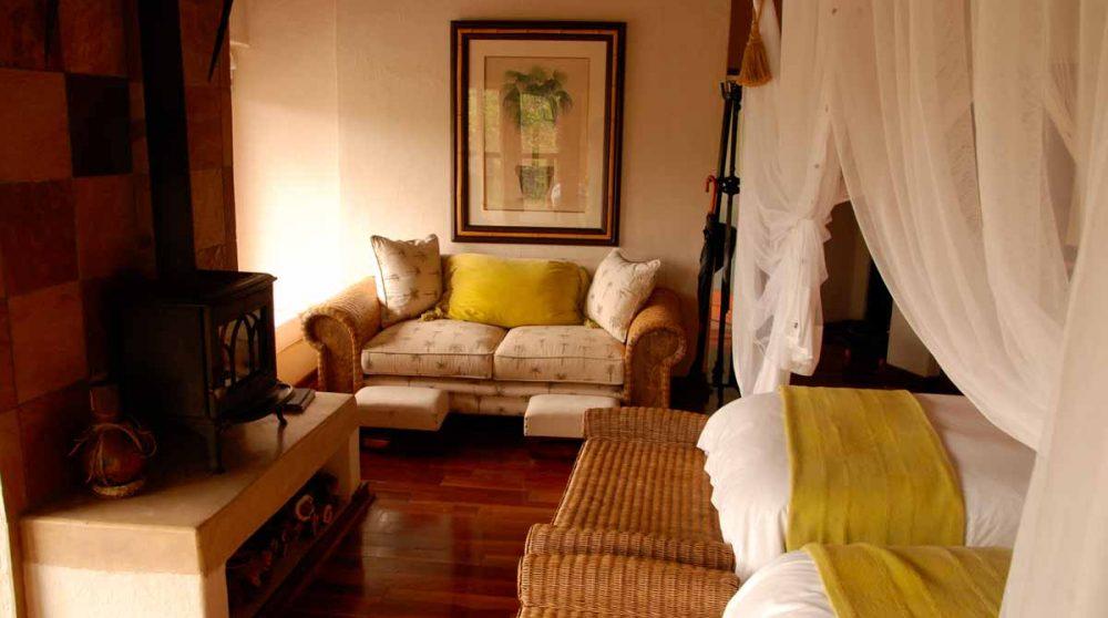 Canapé dans une chambre à Madikwe