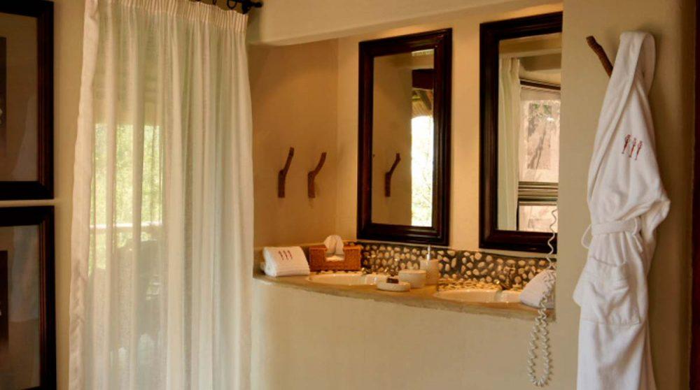 La salle de bains près du Madikwe Game Reserve