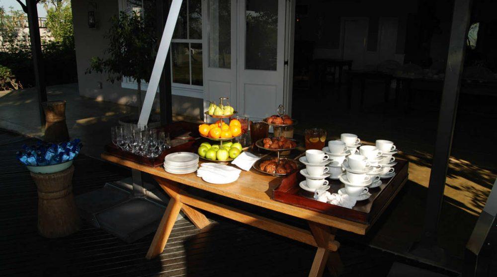 Un buffet sur la terrasse en Afrique du Sud