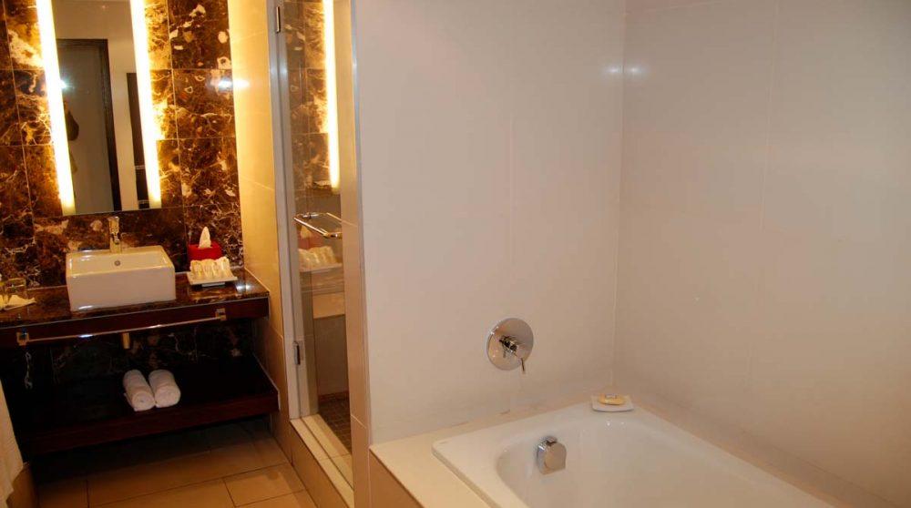 Baignoire dans une salle de bains au Cap