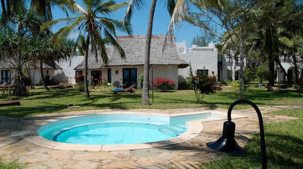 Une autre piscine de l'hôtel à Mombasa