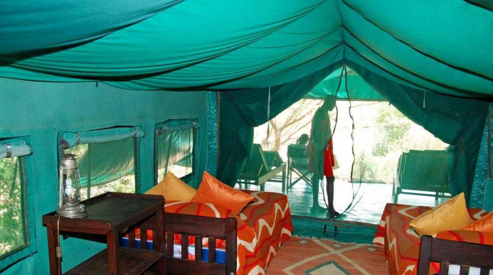 Vue intérieure d'uen tente