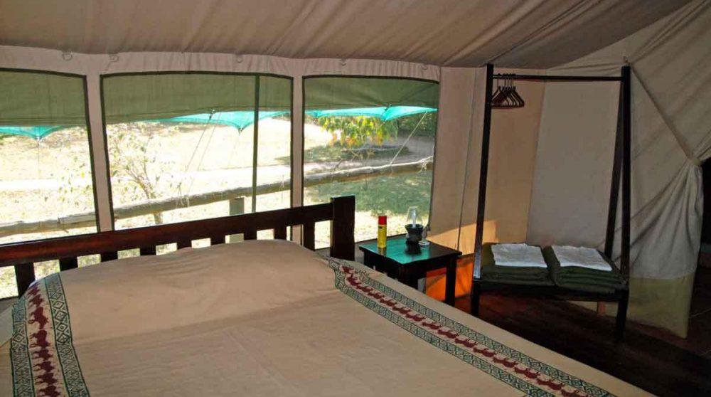 A l'intérieur de l'une des tentes