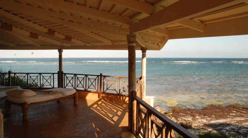 La mer à l'Alfajiri Cliff Villa