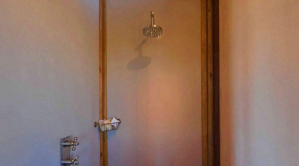 Salle de bains au Dolomite Camp