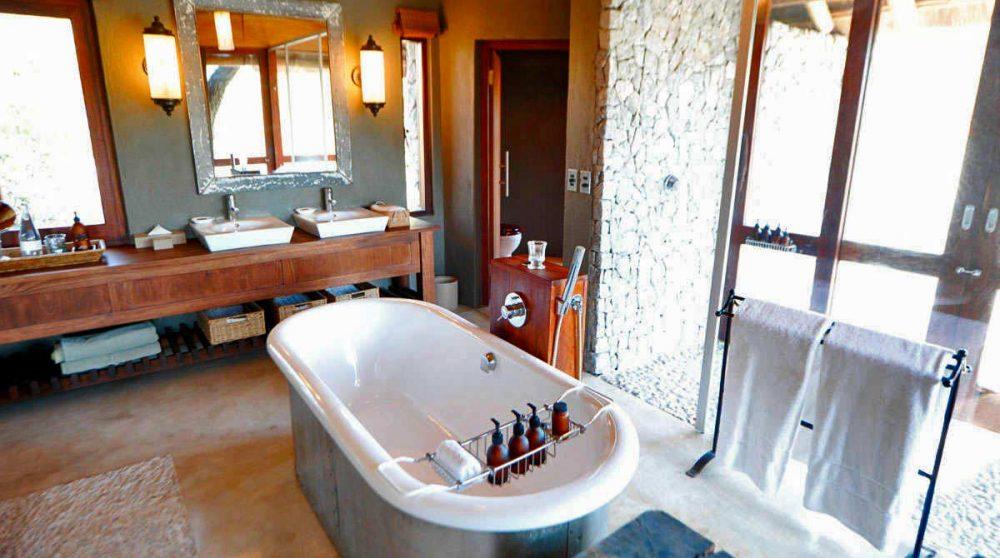 La salle de bains d'une chambre à l'Exeter Leadwood