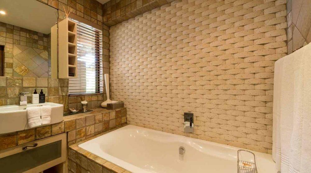 La salle de bains du Khaya Ndlovu Manor House