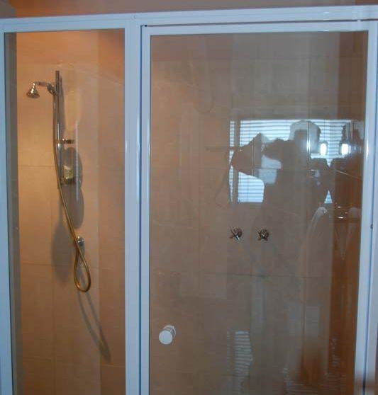 Une douche dans une suite du Mont Rochelle
