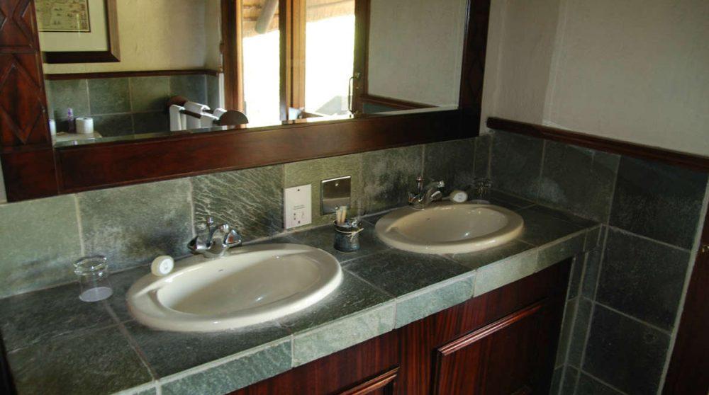 Une salle de bains au Sabi Sabi Little Bush Camp