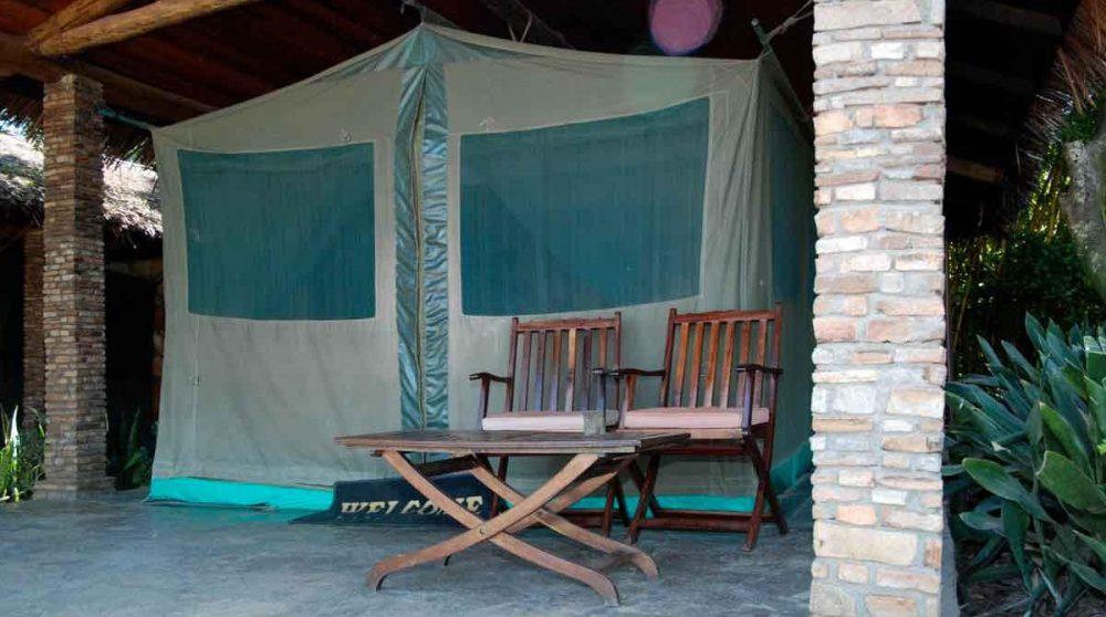 L'entrée d'une tente au Kenya