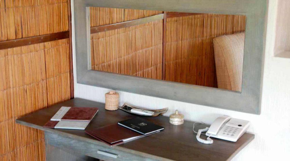 Bureau dans une chambre du Thonga Beach Lodge