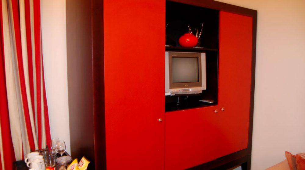Télévision dans une chambre de l'hôtel Welgelegen