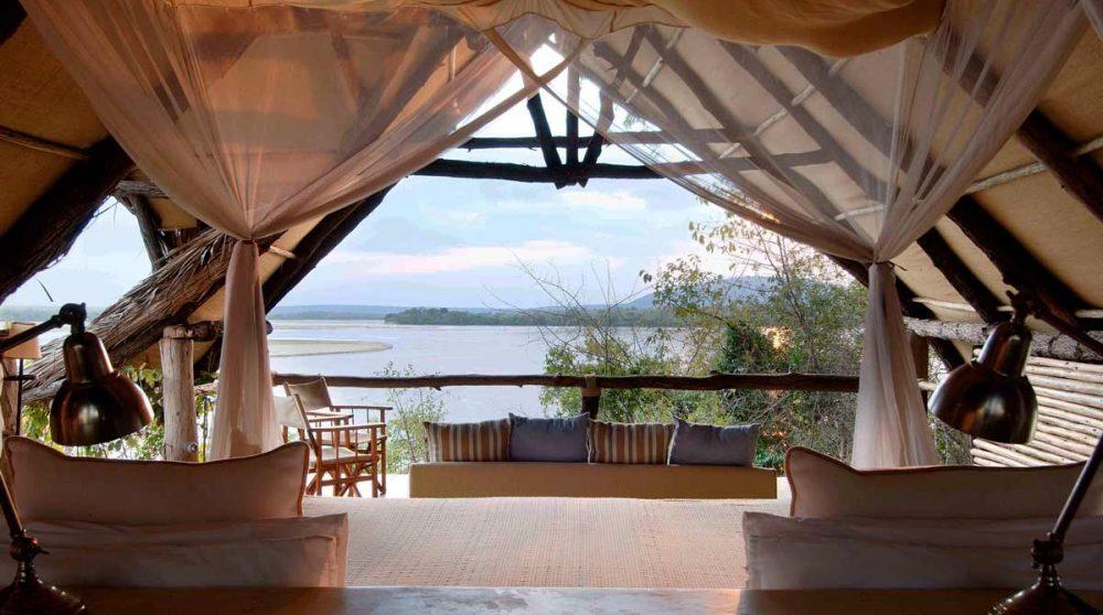 La vue depuis le lit dans la réserve de Selous