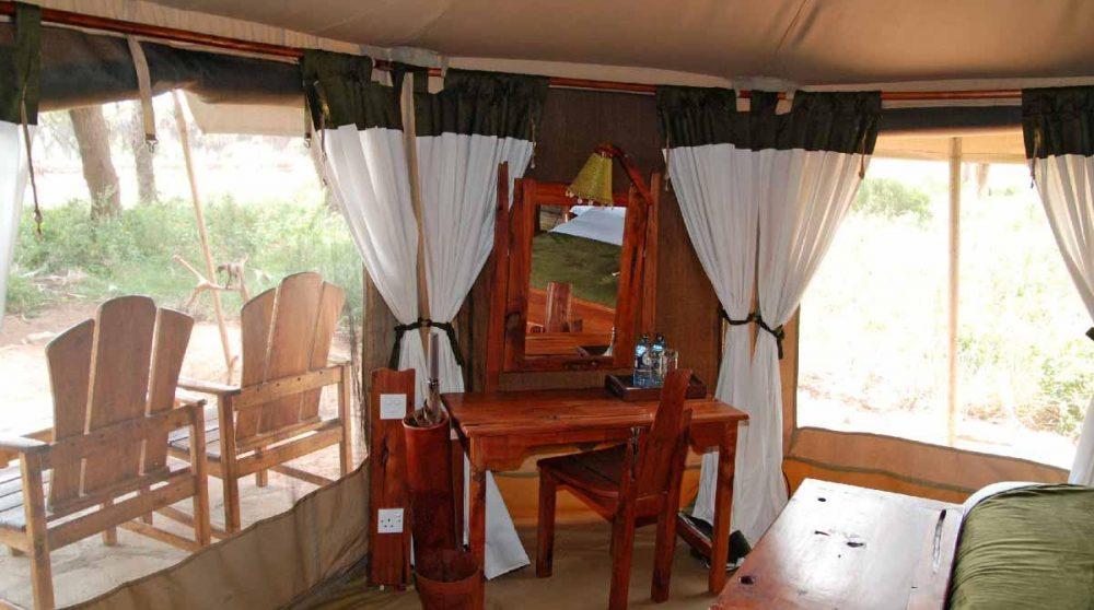 Une tente donnant sur le jardin au Kenya