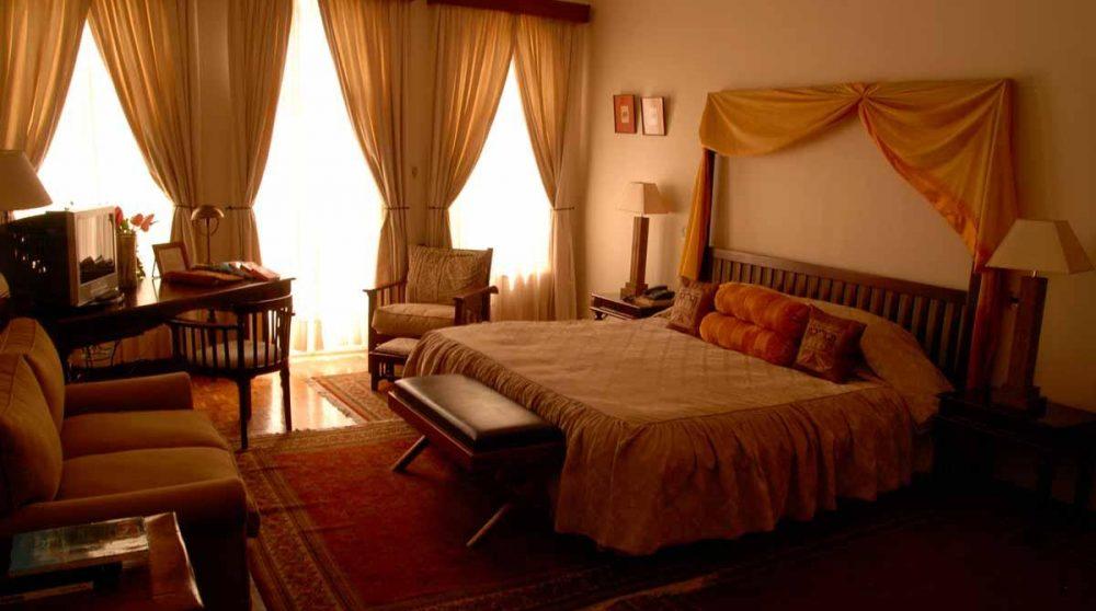 Grande chambre de l'hôtel au Kenya