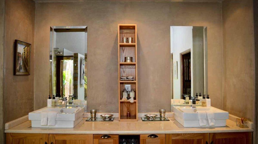 Sa salle de bains en Afrique du Sud