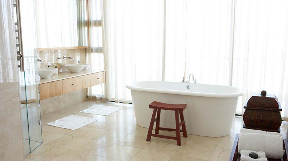 La salle de bains d'un penthouse