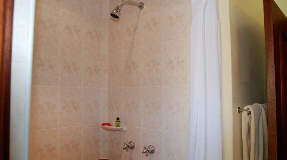 Une douche au Lac Naivasha