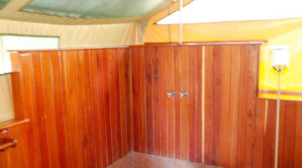 La douche au Kenya