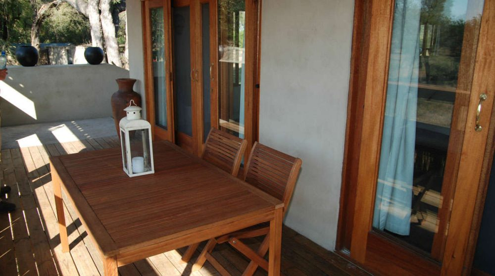 Table sur le balcon à Sabi Sand