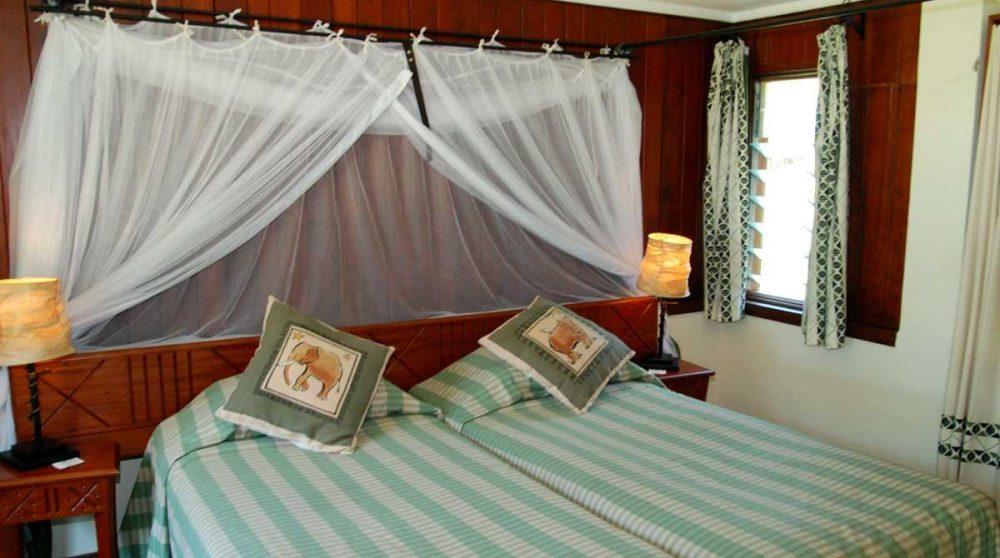 Lit à l'hôtel dans le Masai Mara