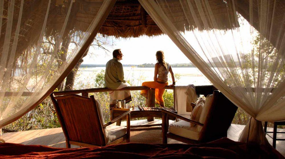 Détente dans une chambre en Tanzanie