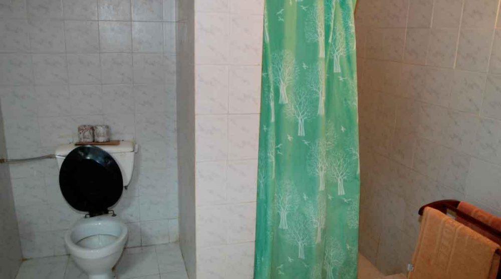 Autre vue de la salle de bains
