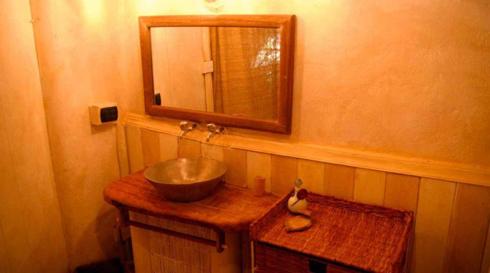 Une petite salle de bains