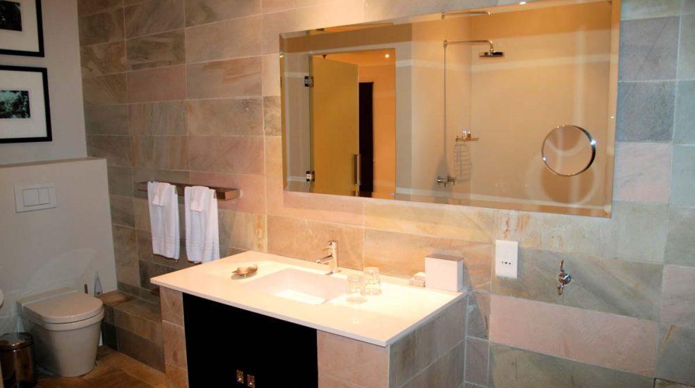 Salle de bains au Kensington Place