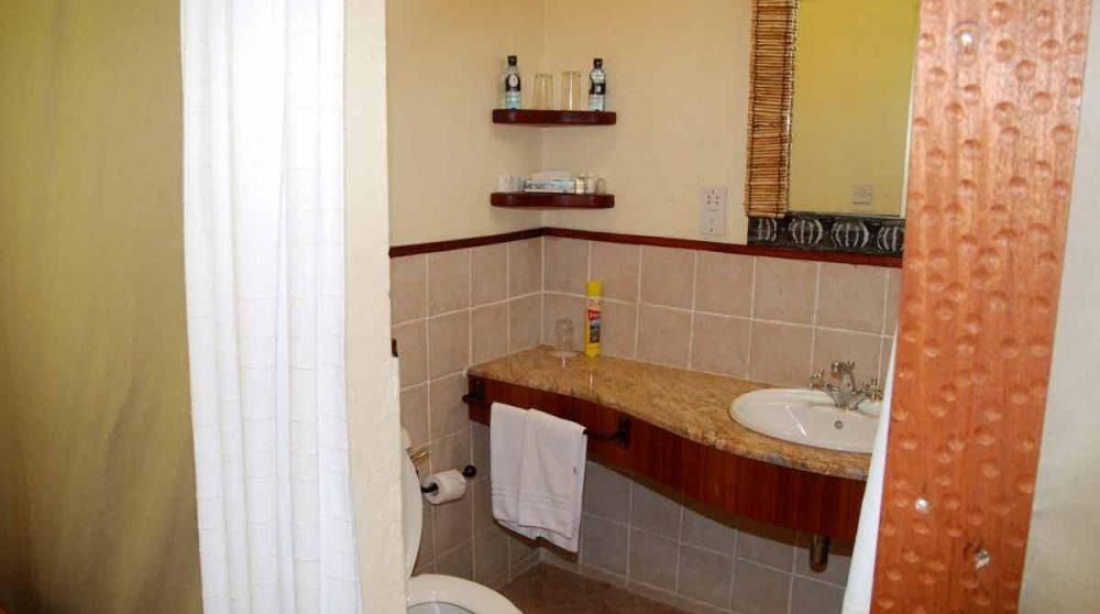Salle de bains au Mara Sarova