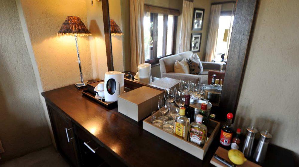 Minibar dans une chambre en Afrique du Sud