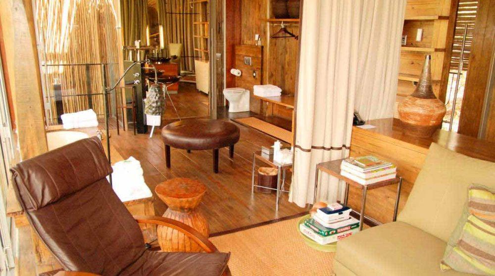 Espace salon dans une suite au parc Kruger