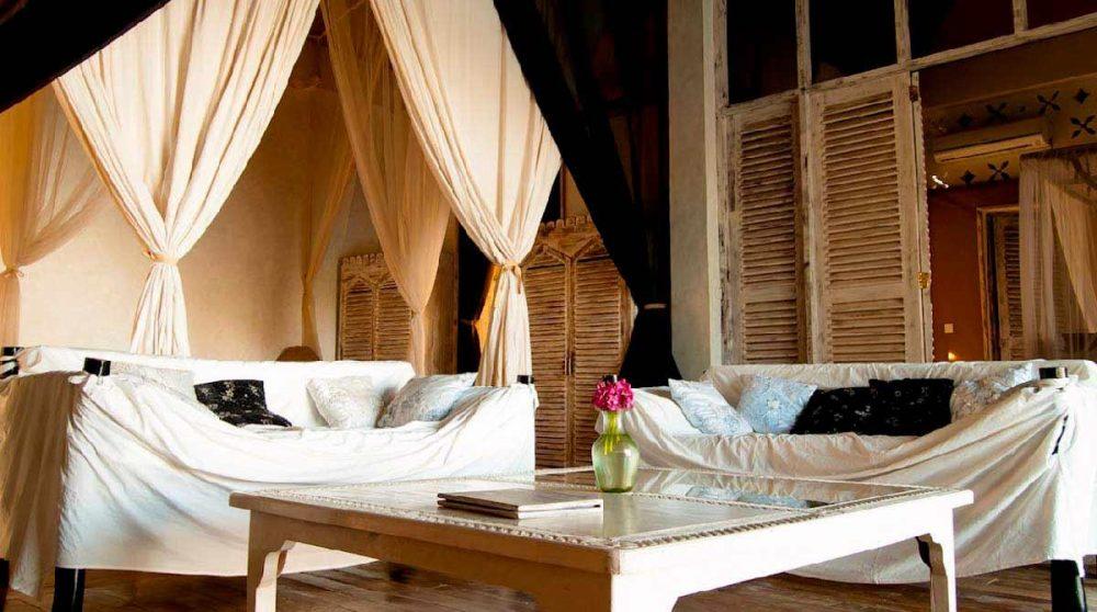 Salon d'une villa de l'établissement au Kenya