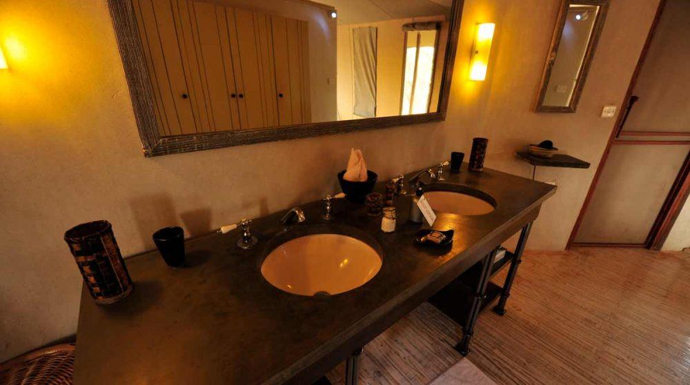 La salle de bains dans le parc de Tarangire