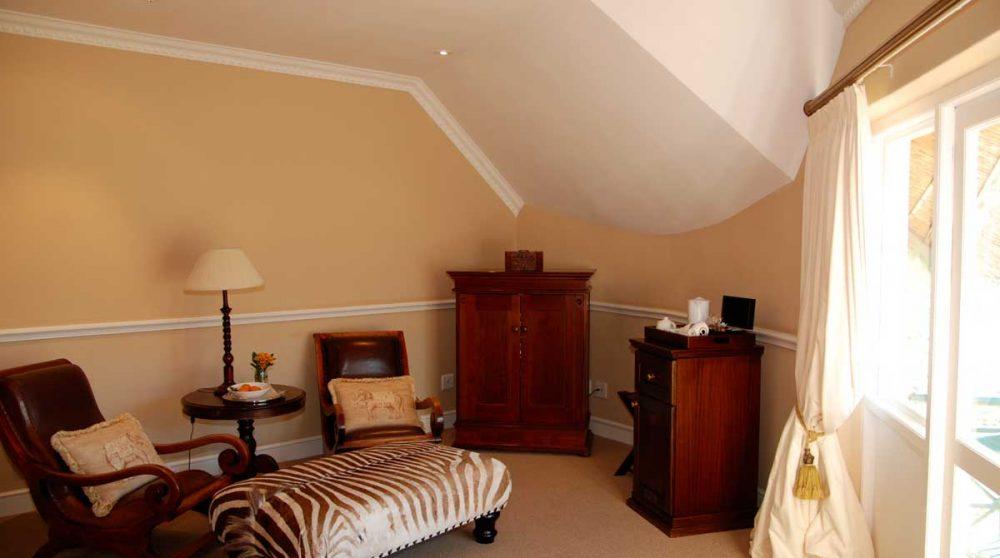 Le salon d'une chambre standard