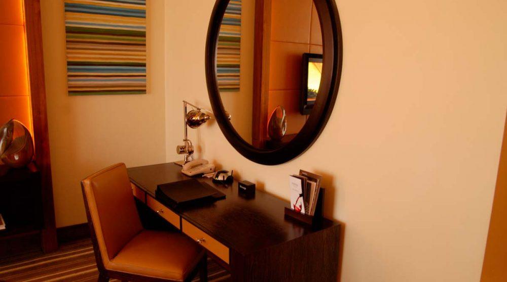 Bureau dans une chambre Marina