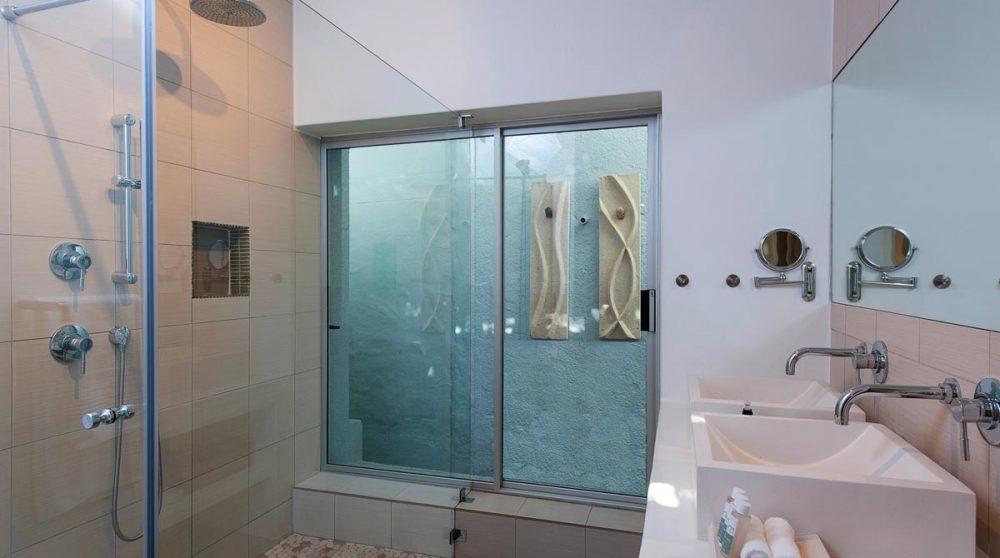 La salle de bains d'une suite au Cap