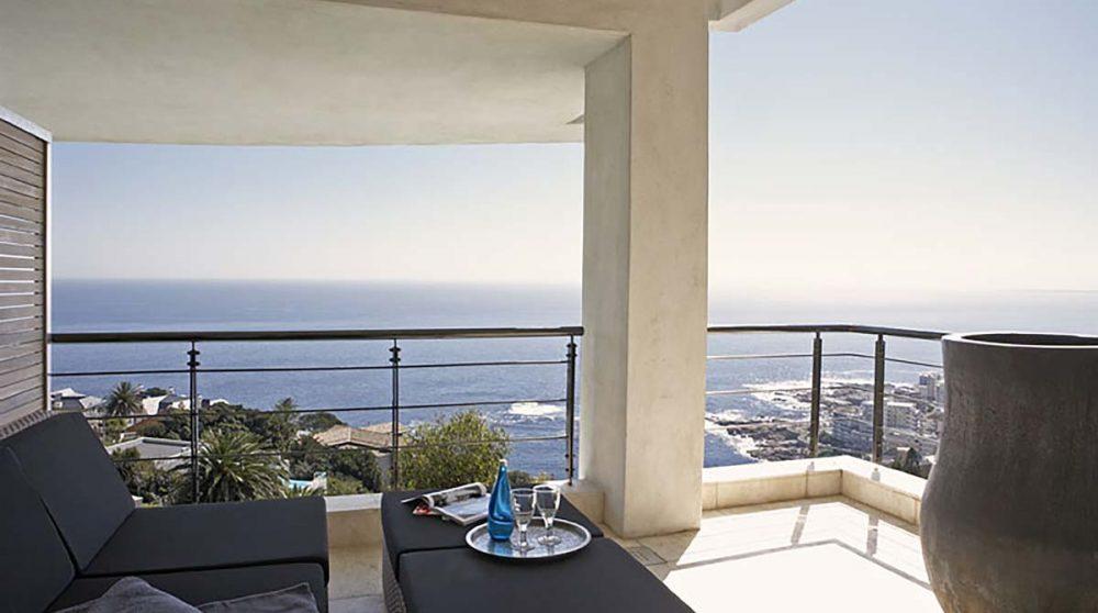 Terrasse d'une chambre deluxe ocean au Cap