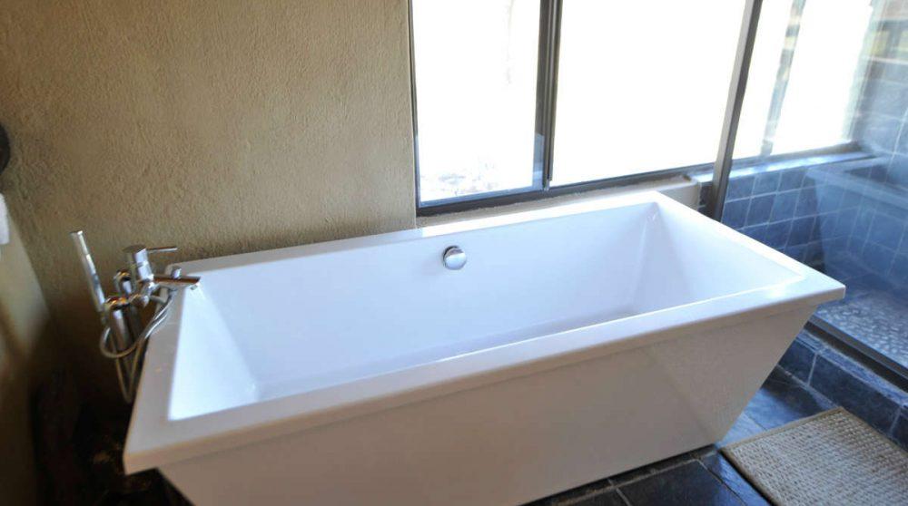 La baignoire d'une Honeymoon suite