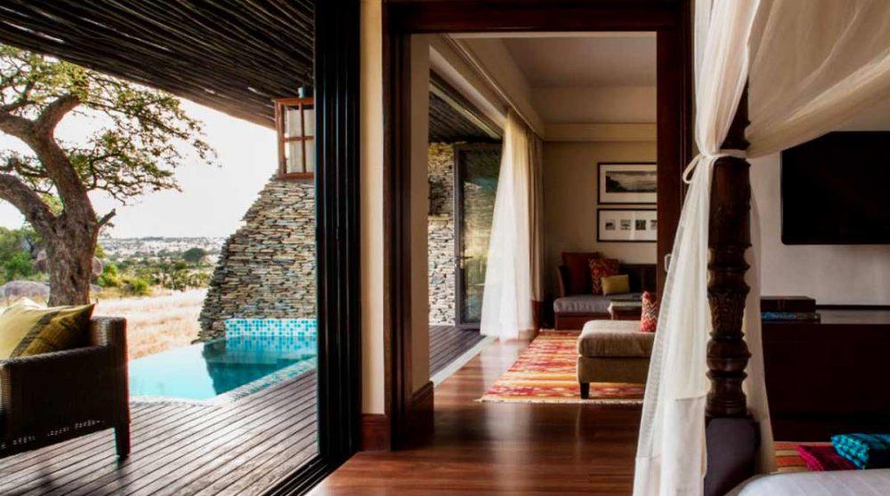 Chambre au Four Seasons Safari Lodge