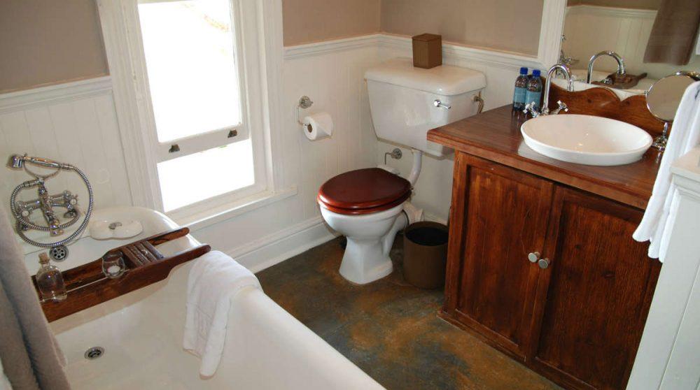 La salle de bains d'une chambre au Kirkmans Camp