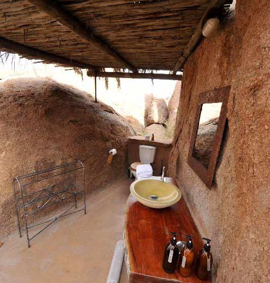 Salle de bains au Mowani Mountain Camp
