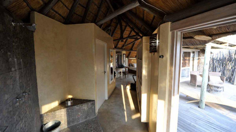 Accès à la chambre depuis la salle de bains en Namibie